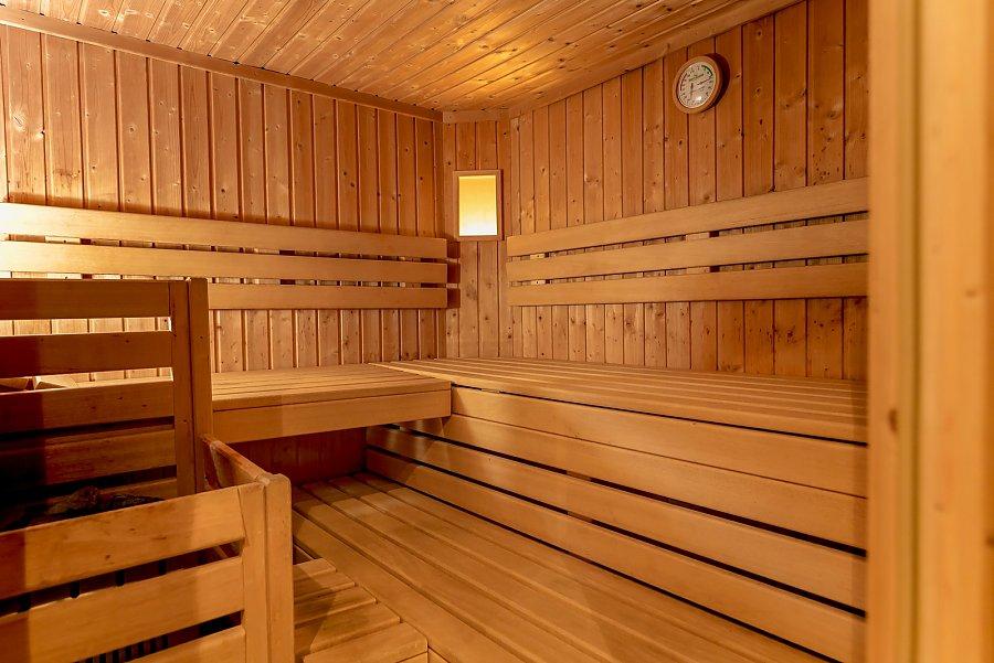 von finnischer sauna bis erlebnisbad f r gro u klein im. Black Bedroom Furniture Sets. Home Design Ideas